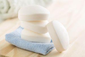 4 curiosidades sobre o sabonete antibacteriano e comum