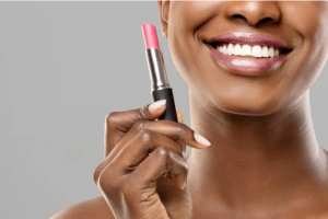 Consumidor simplifica rotina de skincare e maquiagem no pós-Covid